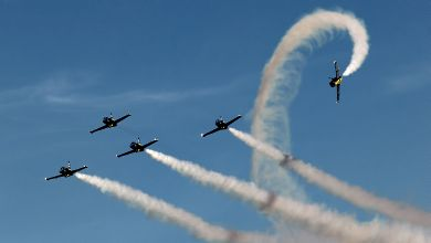 Breitling Jet Team during 'Apache Roll'