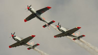 'The Pistol' formation by 'Orlik' Aerobatics Team