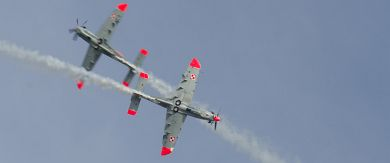 Dynamic pass by 'Orlik' Aerobatics Team members